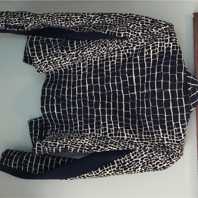 BCBGMAXAZRIA Chic Animal Print Fitted Navy and Ivory Blazer Image 2