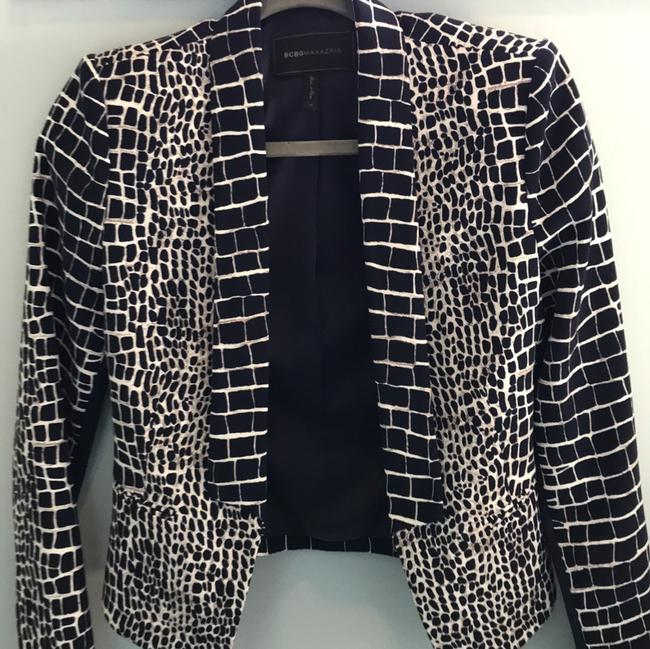BCBGMAXAZRIA Chic Animal Print Fitted Navy and Ivory Blazer Image 5