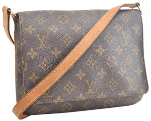 Louis Vuitton Chanel Gucci Burberry Shoulder Bag