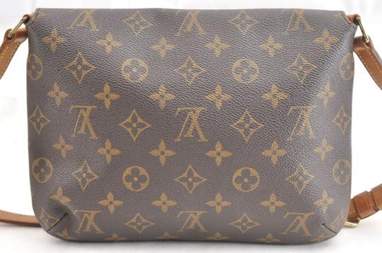 Louis Vuitton Chanel Gucci Burberry Shoulder Bag Image 1