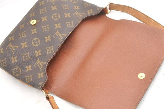 Louis Vuitton Chanel Gucci Burberry Shoulder Bag Image 7