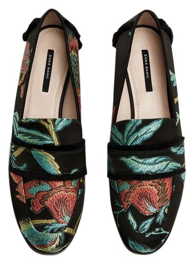 Preload https://img-static.tradesy.com/item/23077279/zara-multicolor-frayed-jacquard-loafers-flats-size-us-6-regular-m-b-0-1-540-540.jpg