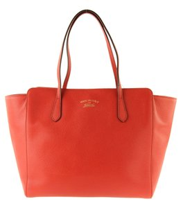 Gucci Leather Tote in Red