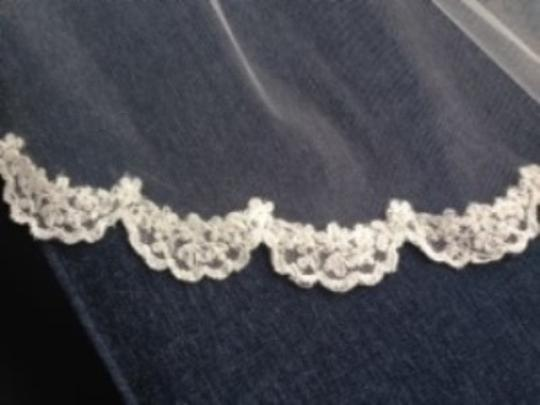 Ivory Medium With Lace Edging Bridal Veil