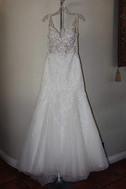 Item - Ivory Gown with Porcelain Tulle Illusion Lace and Over Regency Organza D2365 Sexy Wedding Dress Size 10 (M)