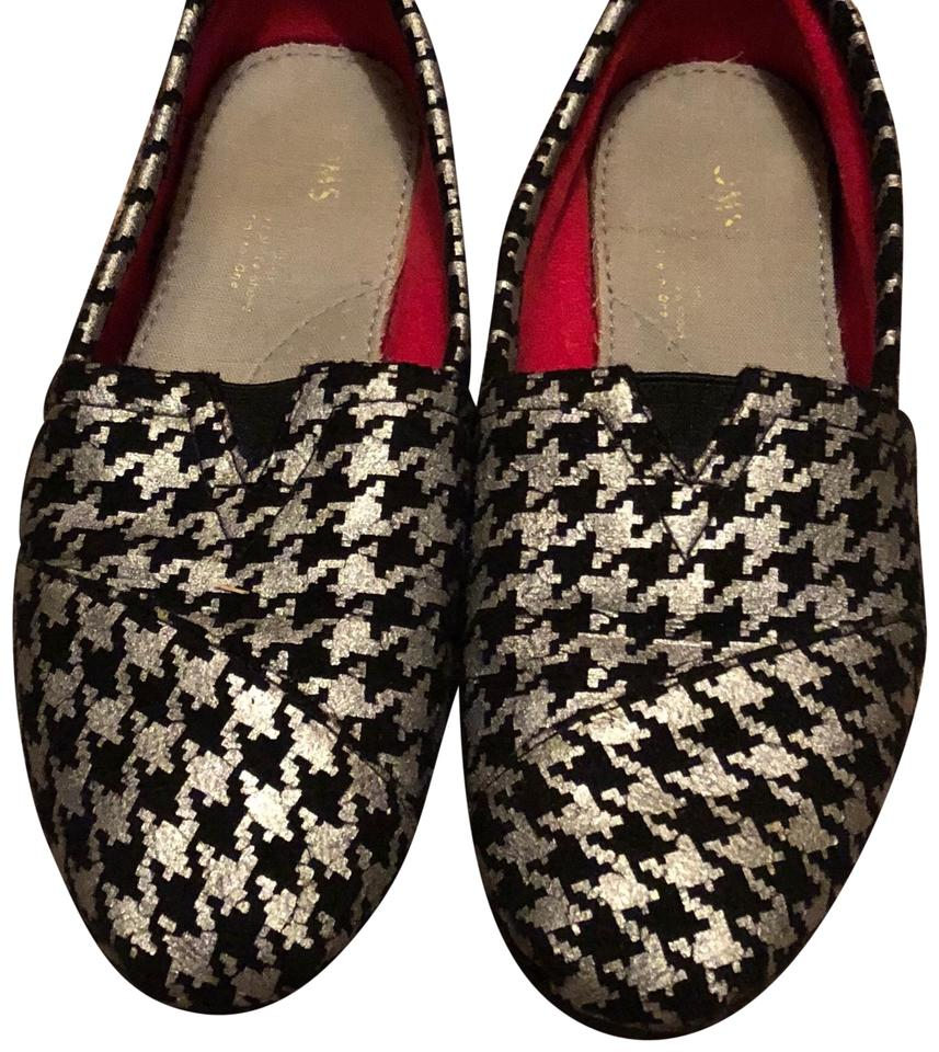 fa9559e29d5 TOMS Black and Silver Houndstooth Flats Size US 8 Regular (M