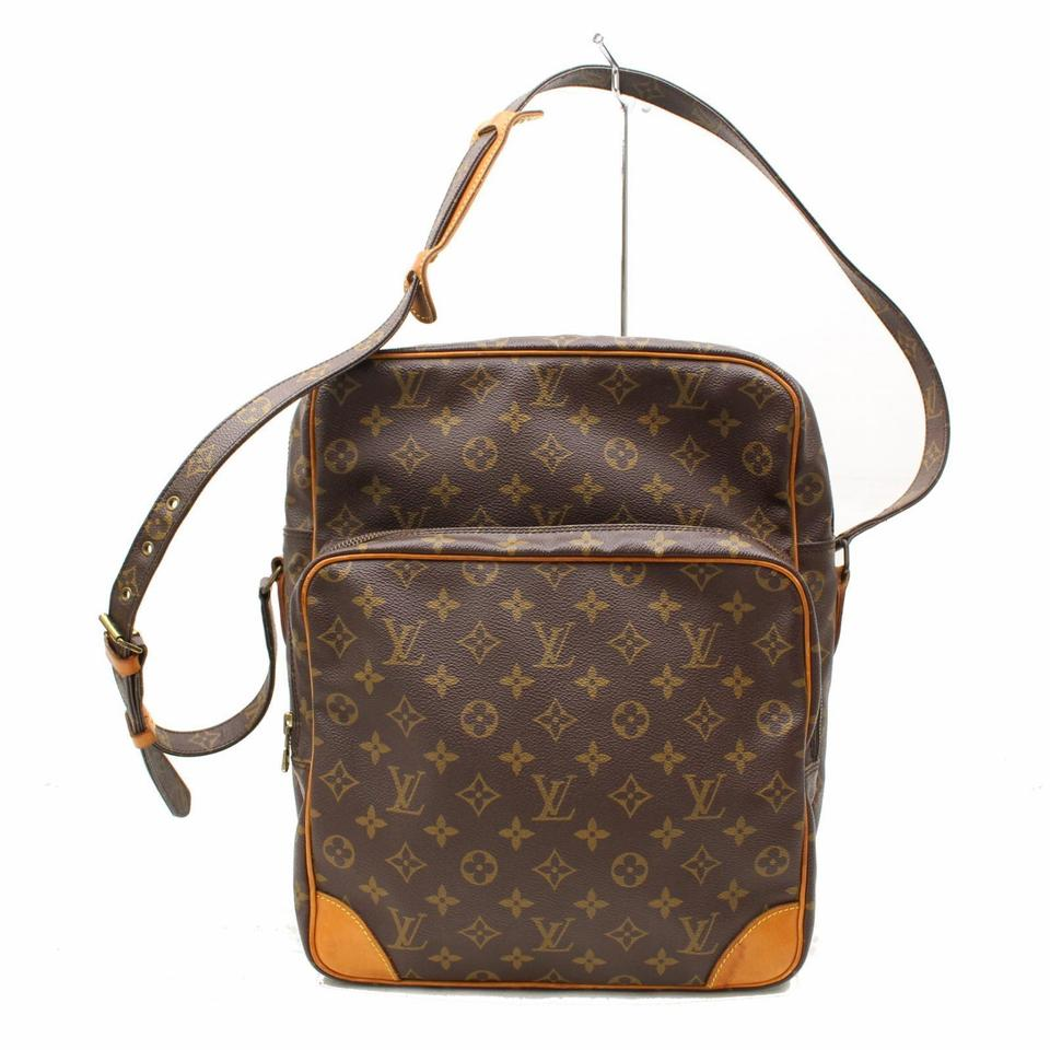 bced4625fba6 Louis Vuitton Extra Large Large Special Order Rare Limited Edition Cross  Body Bag ...