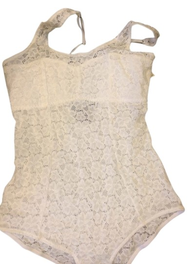 Gilly Hicks lace bodysuit size LARGE ( fits smaller)