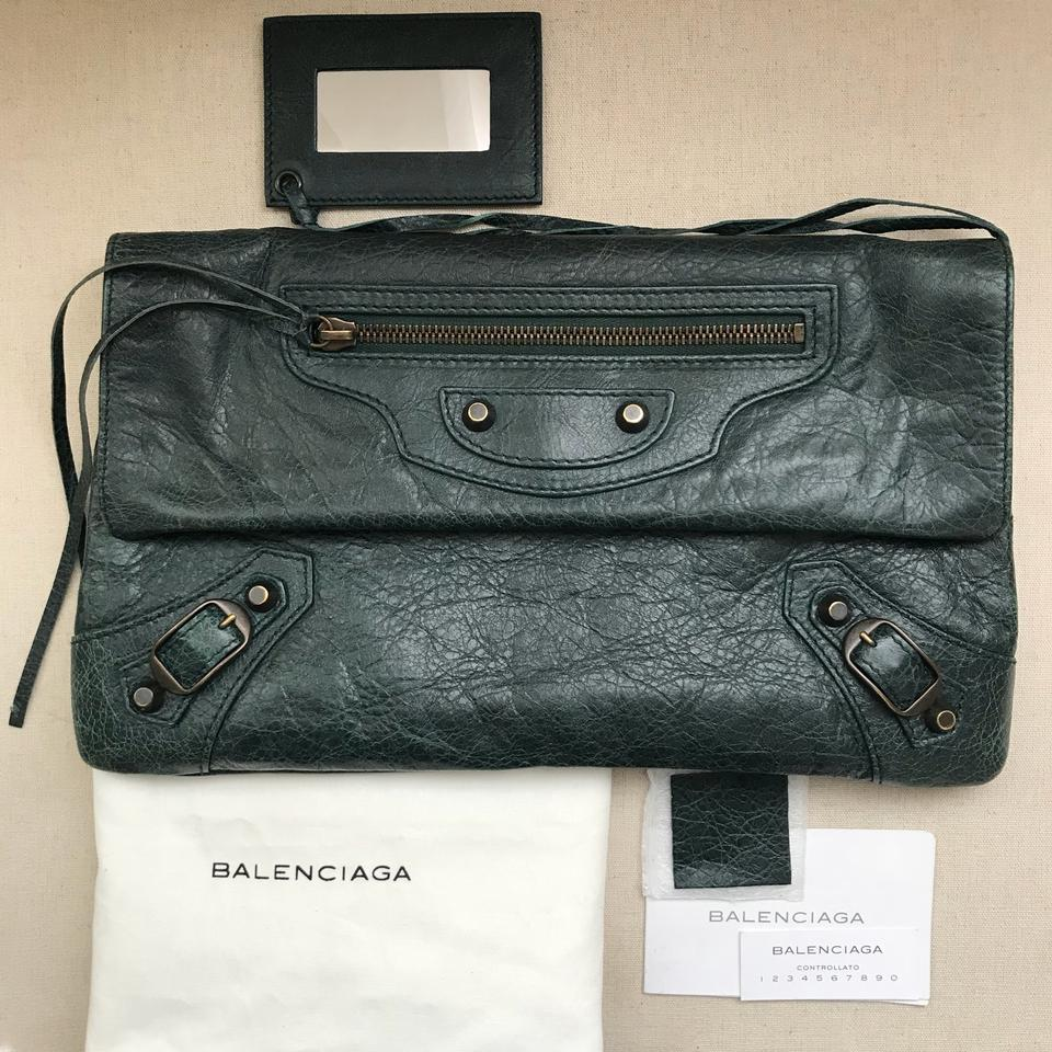 various kinds of new list numerousinvariety Balenciaga Classic Envelope Green Lambskin Clutch 35% off retail