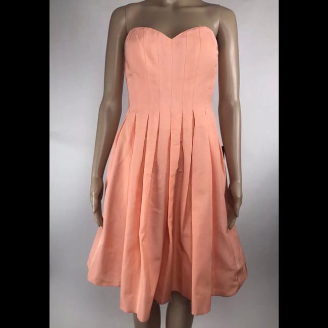 Item - Peach Pink Strapless Pleated Modern Bridesmaid/Mob Dress Size 6 (S)
