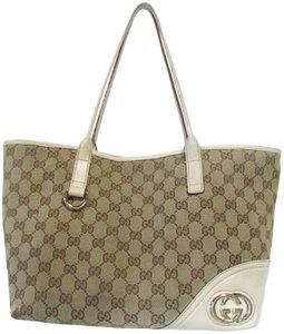d7f82fb18ed Gucci Signature Classic Large Leather Trim Tote in Beige and Brown GG