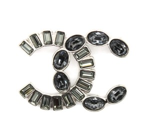 Chanel RARE CC baguette crystals and gripoix stones brooch pin charm