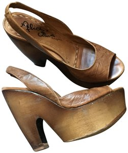 6c1d2d41e459 Alice + Olivia Heels Platforms Sandals Brown Pumps