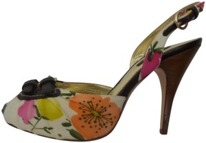 Vero Cuoio Printed Fowers Pumps