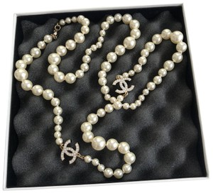 Chanel Chanel classic pearl long necklace