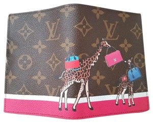 Louis Vuitton Louis Vuitton Christmas Animation Giraffe Monogram Passport Cover