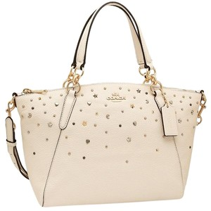 36abd696f20277 Coach Satchels - Up to 90% off at Tradesy