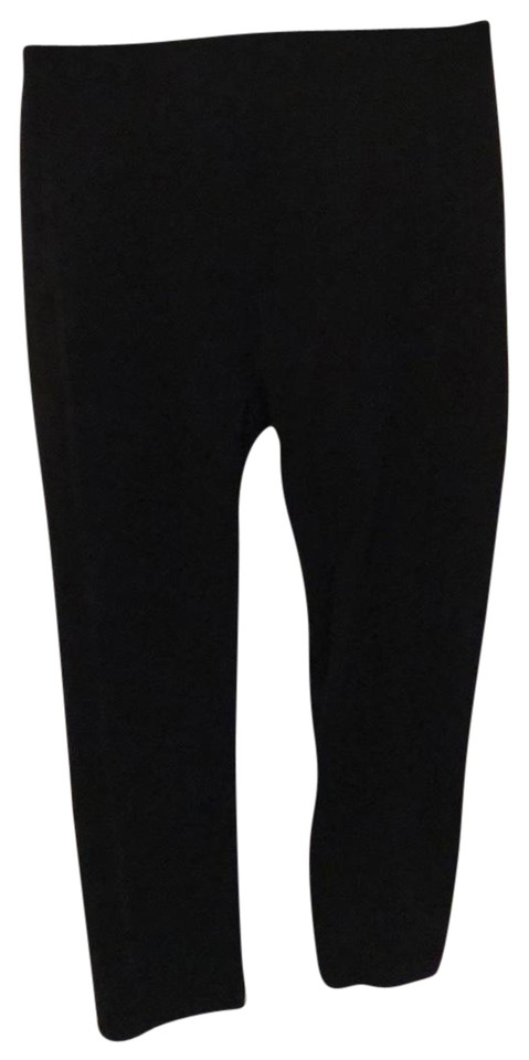 5ad7d9d6a5 Spanx Black Crop Workout Activewear Bottoms Size 6 (S) - Tradesy