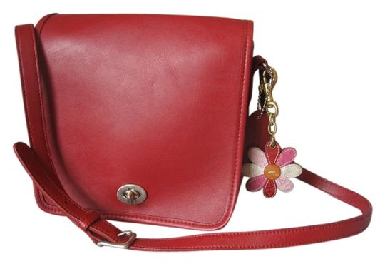 Preload https://item1.tradesy.com/images/coach-companion-flap-9076-trigger-snap-key-fob-red-leather-shoulder-bag-2309810-0-0.jpg?width=440&height=440