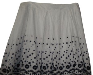 Star City A-line Lined Floral Embroidered Skirt White/Black