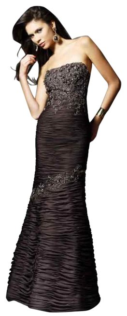 Item - Brown Ruched Mermaid Gown with Applique -- 154541 Long Formal Dress Size 8 (M)