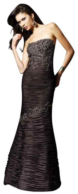 Item - Brown Ruched Mermaid Gown with Applique -- 154541 Long Formal Dress Size 10 (M)