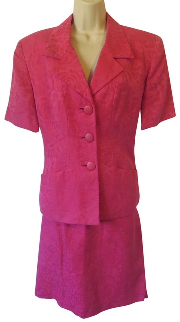 Preload https://item5.tradesy.com/images/dior-pink-christian-floral-skirt-jacket-top-set-outfit-linen-pant-suit-size-12-l-23101369-0-1.jpg?width=400&height=650