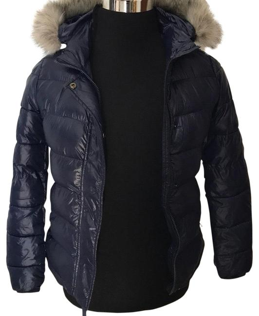 Preload https://item3.tradesy.com/images/gap-down-alternative-puffer-jacket-activewear-size-0-xs-23101397-0-1.jpg?width=400&height=650