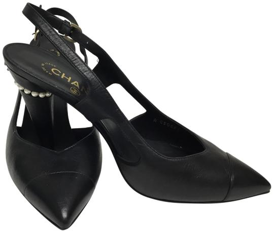 Preload https://item5.tradesy.com/images/chanel-black-slingback-with-pearl-ring-pumps-size-eu-40-approx-us-10-regular-m-b-23101439-0-2.jpg?width=440&height=440