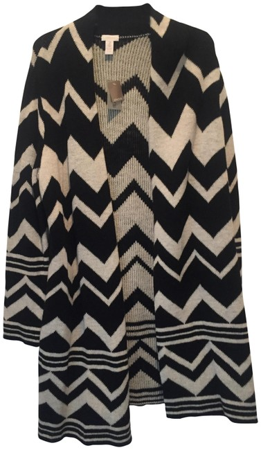 Preload https://item1.tradesy.com/images/black-and-white-cardigan-size-12-l-23102075-0-1.jpg?width=400&height=650