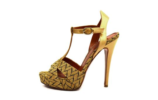 Preload https://img-static.tradesy.com/item/23102337/missoni-goldblack-chevron-stiletto-sandals-size-eu-39-approx-us-9-regular-m-b-0-1-540-540.jpg