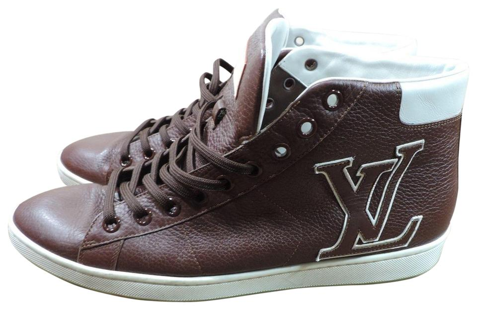 22dcc8fc71f3 Louis Vuitton Brown Men In Italy Lv Logo Leather Sneakers Size US 8 ...