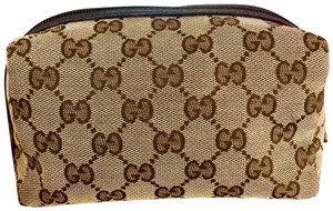 7d113d6de6ac Gucci Cosmetic Bags - Up to 70% off at Tradesy (Page 3)