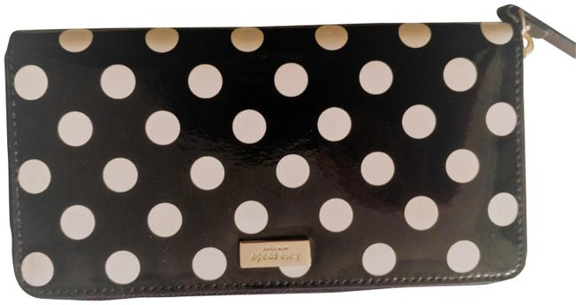 Item - Black and White Zippy Wallet