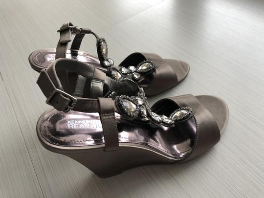 Kenneth Cole Reaction Satin Taupe Wedges