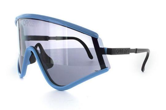 Preload https://img-static.tradesy.com/item/23103036/oakley-blue-and-grey-unisex-sport-oo9259-07-frame-gradient-sunglasses-0-0-540-540.jpg