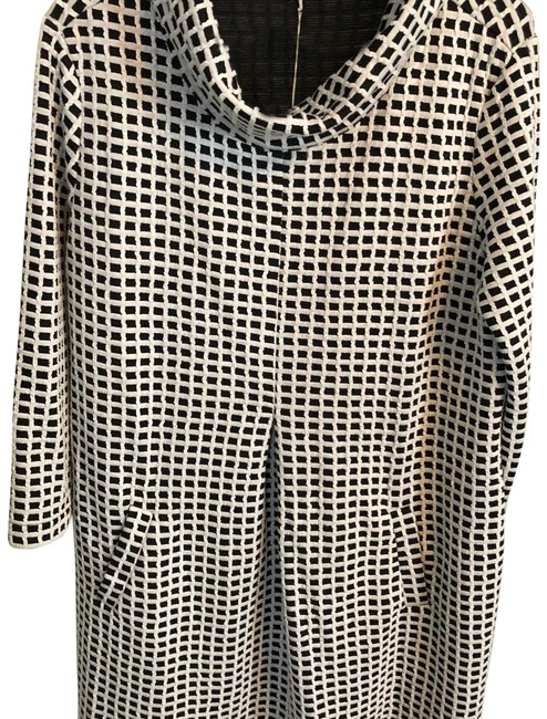 Preload https://item1.tradesy.com/images/tyler-boe-black-and-white-kim-cowl-mid-length-workoffice-dress-size-14-l-23103065-0-1.jpg?width=400&height=650