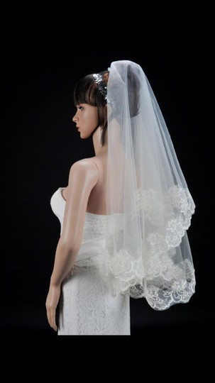 White Medium New Bridal Veil