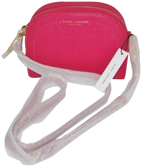 Preload https://img-static.tradesy.com/item/23103364/marc-jacobs-pink-leather-cross-body-bag-0-1-540-540.jpg