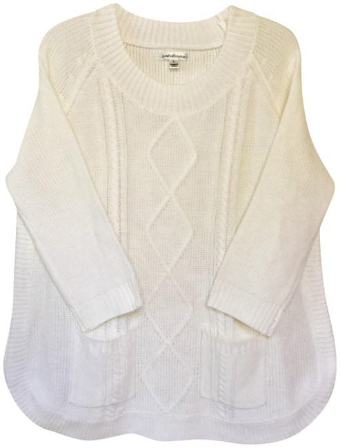 Item - Knitted 2-pocket Tunic White Sweater