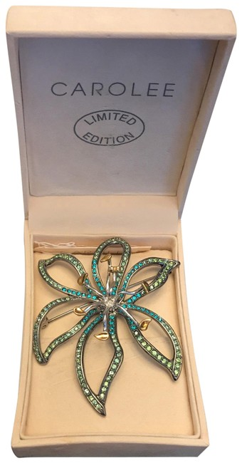 Carolee Limited Edition 2005 Flower Brooch/Pin Carolee Limited Edition 2005 Flower Brooch/Pin Image 1