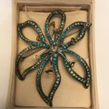 Carolee Limited Edition 2005 Flower Brooch/Pin Carolee Limited Edition 2005 Flower Brooch/Pin Image 11