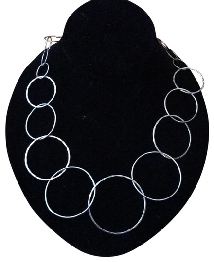 Preload https://img-static.tradesy.com/item/23103759/sterling-silver-chic-necklace-0-1-540-540.jpg