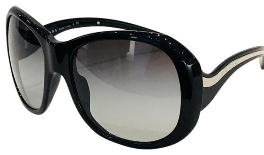Preload https://img-static.tradesy.com/item/23104075/prada-black-spr09l-sunglasses-0-6-540-540.jpg