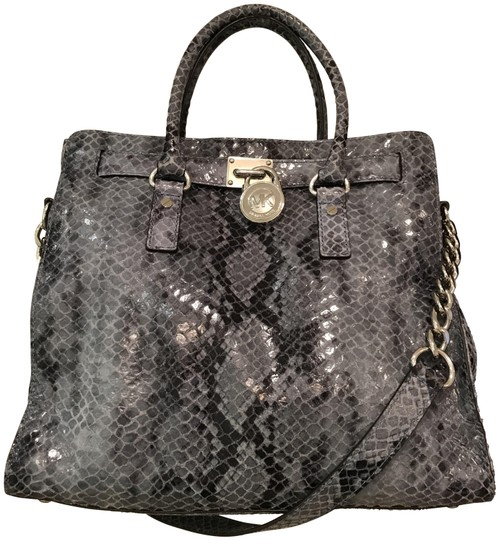 Preload https://img-static.tradesy.com/item/23104815/michael-kors-hamilton-ns-north-south-large-snake-satchel-denim-blue-python-embossed-leather-tote-0-1-540-540.jpg
