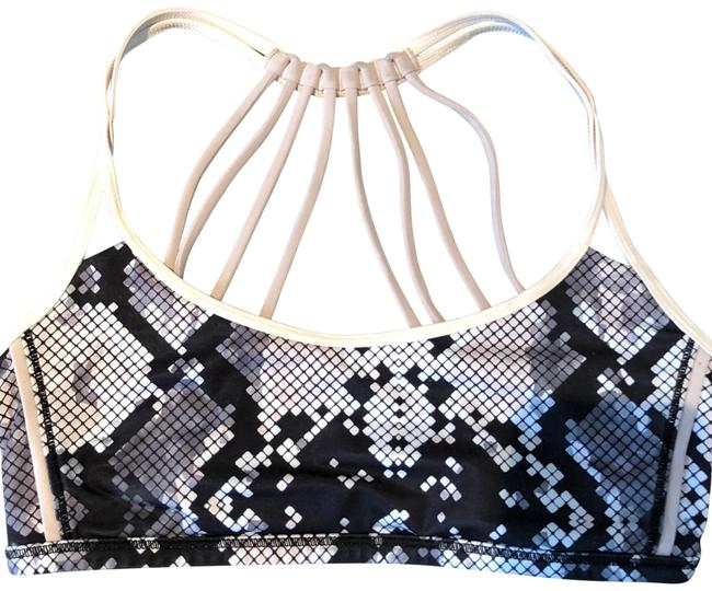 Preload https://img-static.tradesy.com/item/23105893/lululemon-activewear-sports-bra-size-4-s-0-1-650-650.jpg