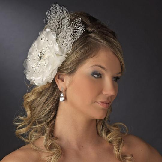 Preload https://img-static.tradesy.com/item/23106069/elegance-by-carbonneau-ivory-or-white-couture-rhinestone-flower-clip-with-russian-tulle-hair-accesso-0-0-540-540.jpg
