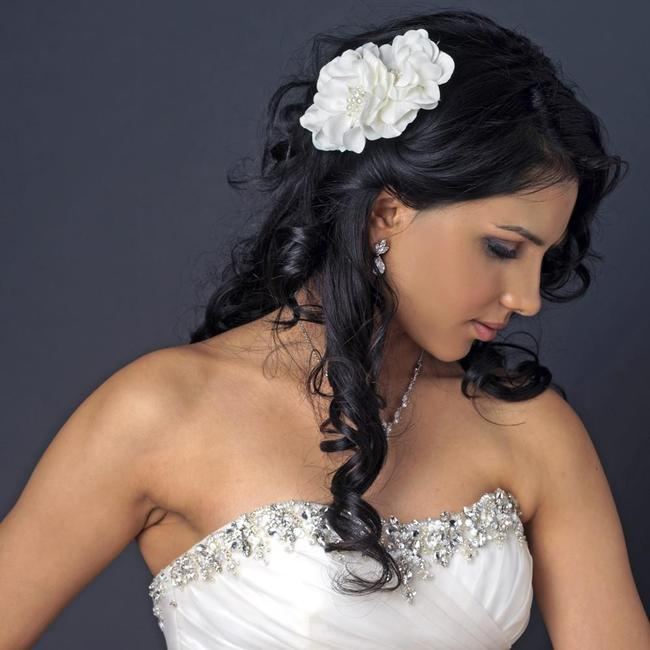 Item - Ivory Pearl Rhinestone Accent Flower Clip Hair Accessory