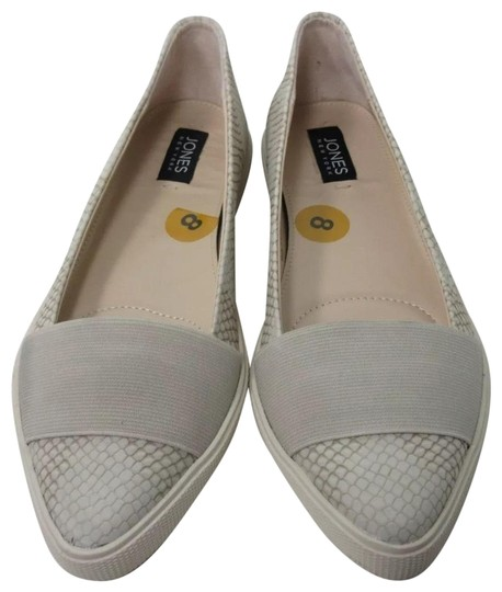 Preload https://img-static.tradesy.com/item/23106367/jones-new-york-grey-hannah-ice-croc-embossed-slip-on-flats-size-us-75-regular-m-b-0-1-540-540.jpg