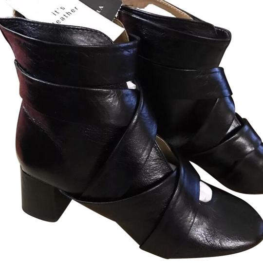 Preload https://img-static.tradesy.com/item/23106572/zara-black-leather-ankle-with-straps-bootsbooties-size-us-65-regular-m-b-0-1-540-540.jpg